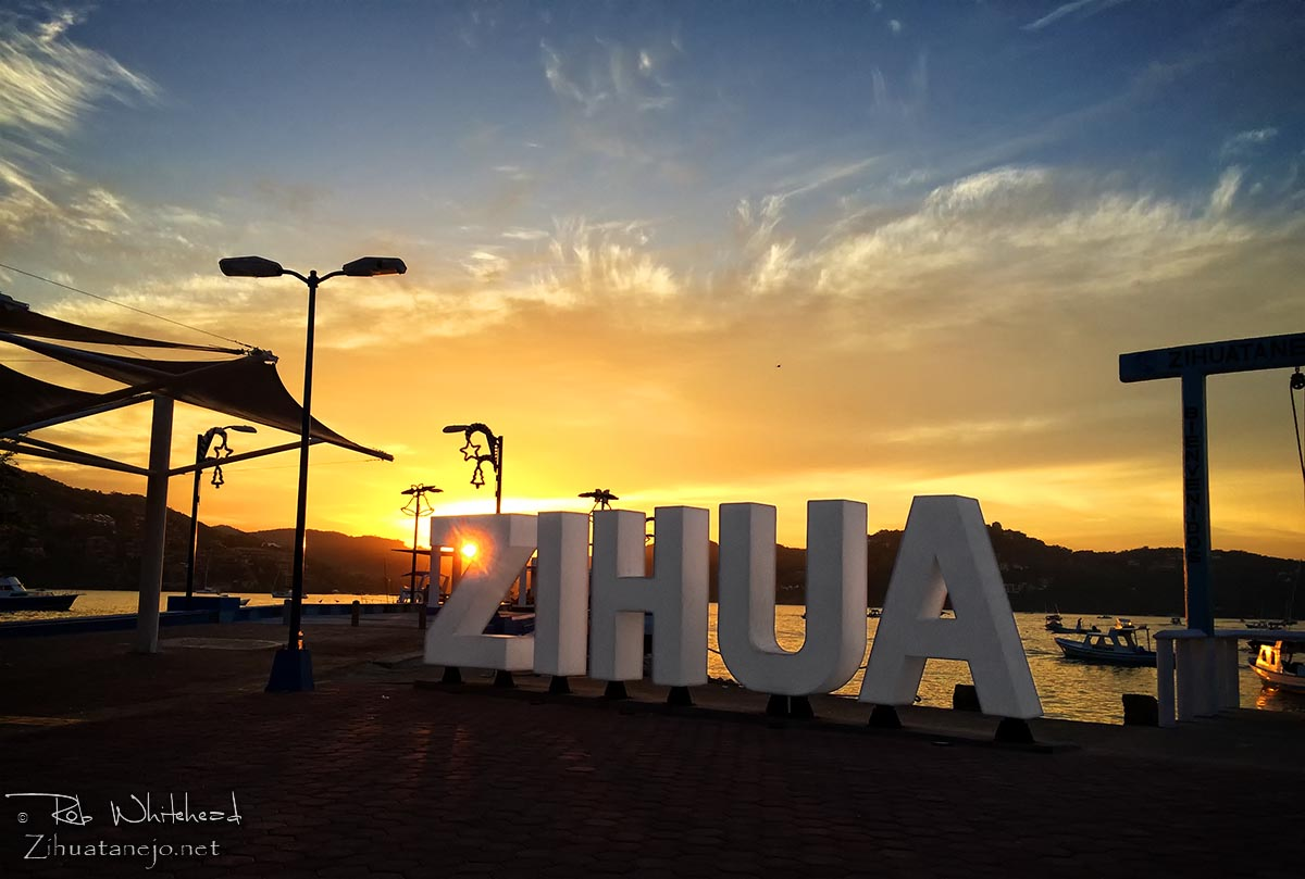 Entrance to the Municipal Pier - Zihuatanejo